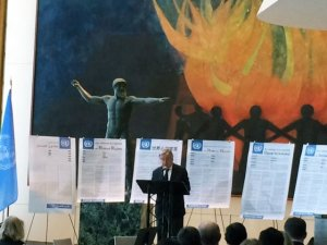 Marking #HumanRightsDay #UNSG @antonioguterres opens a year-long celebration of #HumanRights. https://t.co/W4lJBmbJ2c