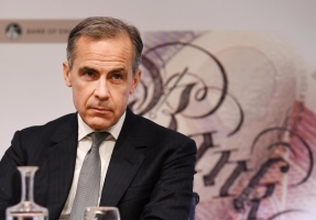 Bank of England chief tries to avoid Brexit bank bedlam https://t.co/BwtAGKCI6C https://t.co/WRQZDyL1bw
