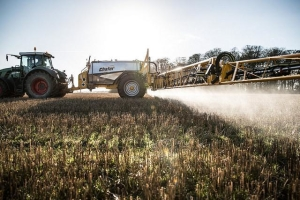 MEPs call for complete glyphosate ban in 2020 https://t.co/HjVRKw7kh9 https://t.co/TlFTvAjDER