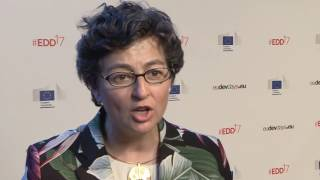 EDD17 - Buzz - Arancha Gonzalez - The smart investment - Empowering women in the economy